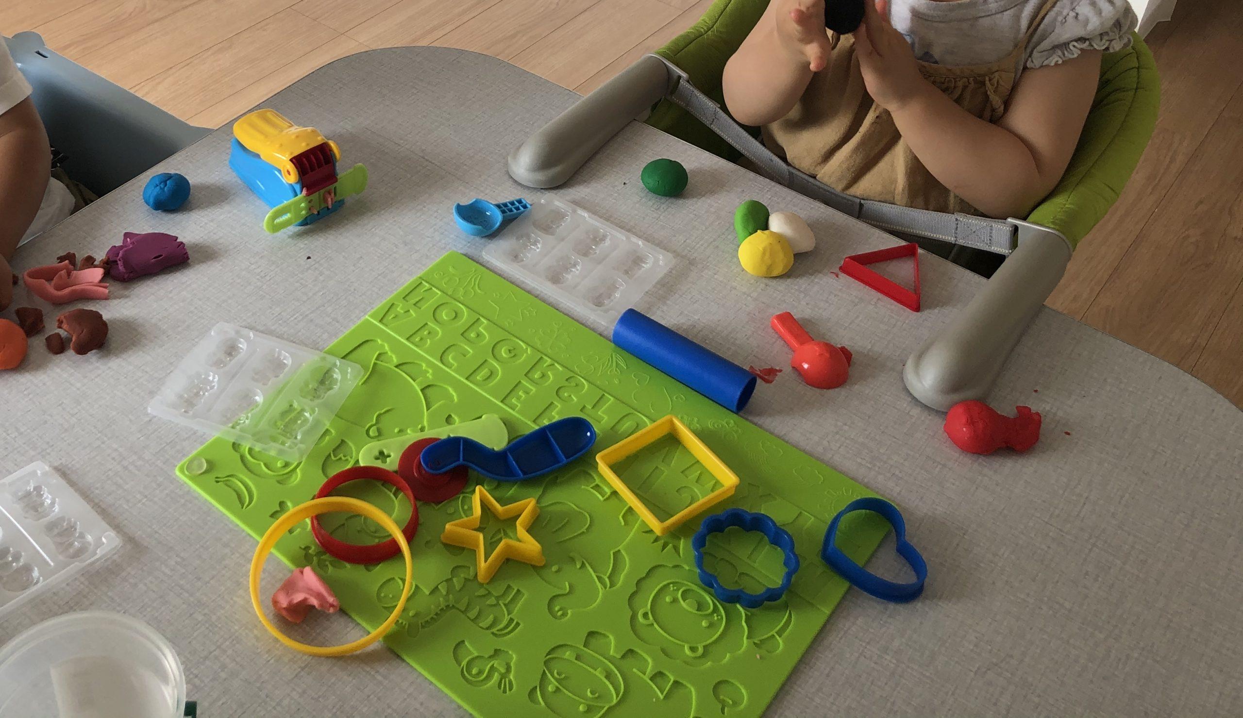 【2・3歳】雨の日は粘土遊びが楽しい!おすすめの粘土をご紹介